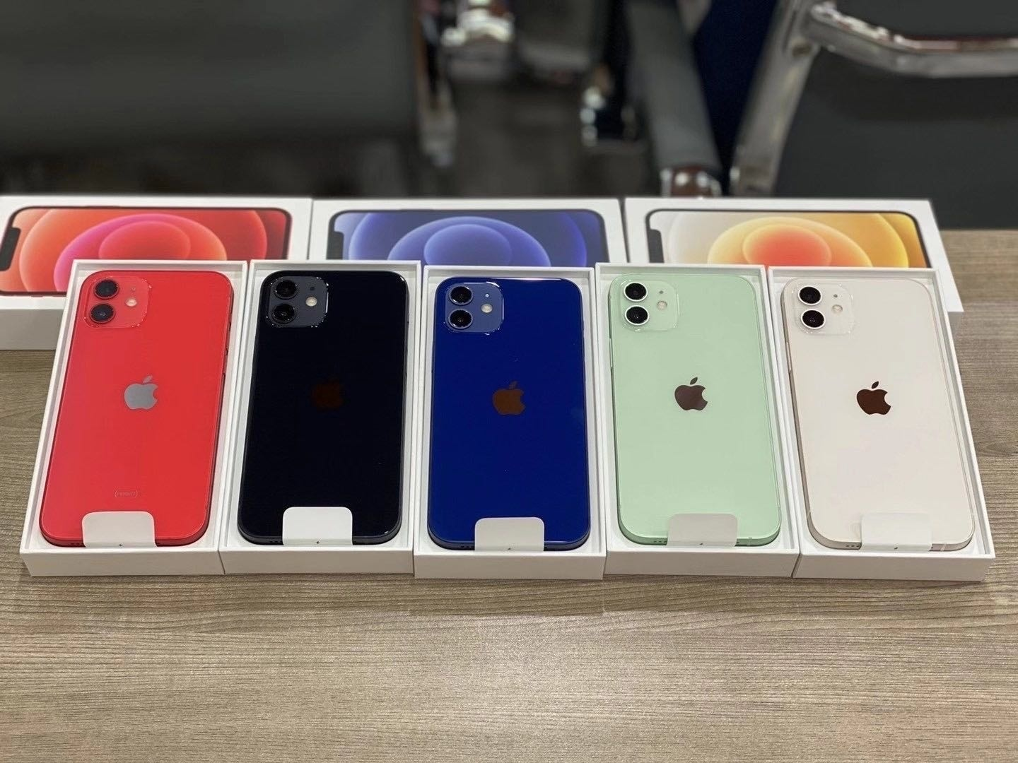 Apple iPhone 12 Pro, iPhone 12 Pro Max, iPhone 12, Sony PlayStation PS5